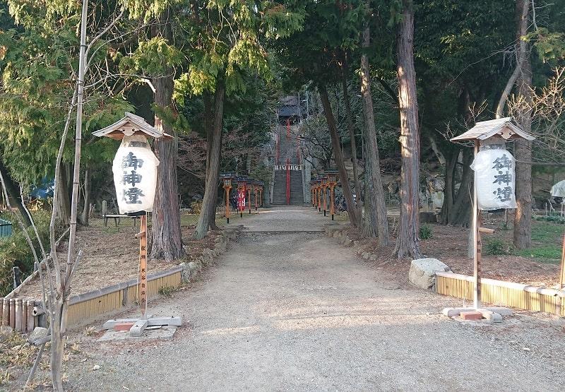 売布神社の参道