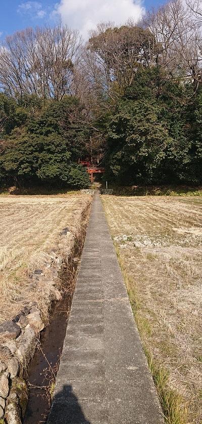 千吉神社への道