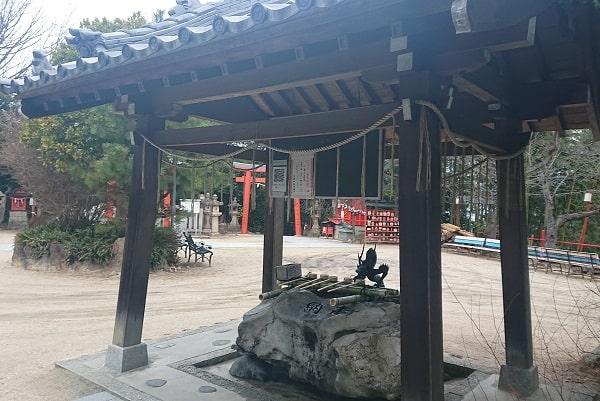 宝塚神社の手水舍