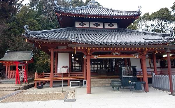 中山寺の大師堂