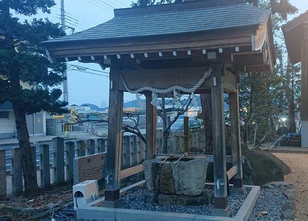 中筋八幡神社の手水舎