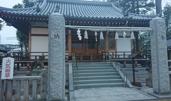 中筋八幡神社の拝殿
