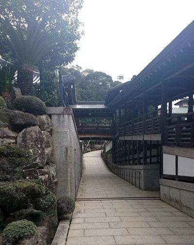 鉄斎美術館への道