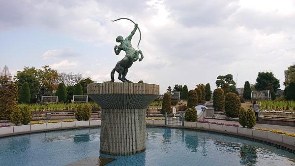 阪神競馬場の水遊び