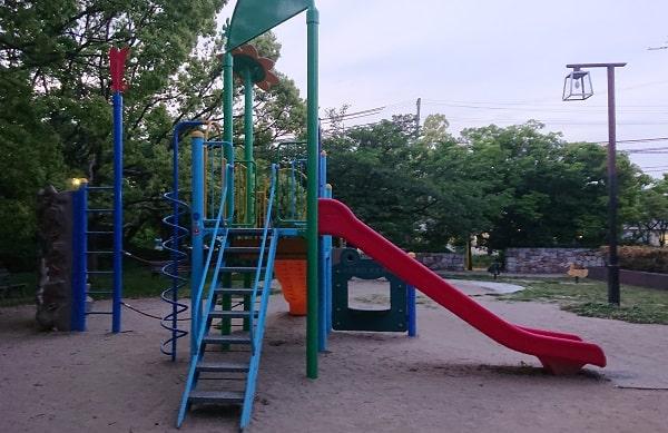 下の池公園の遊具