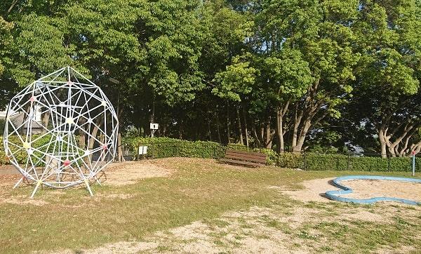 中山桜台公園の遊具