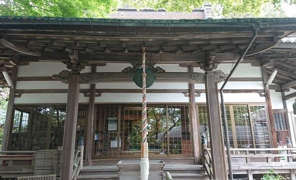 塩尾寺の本殿