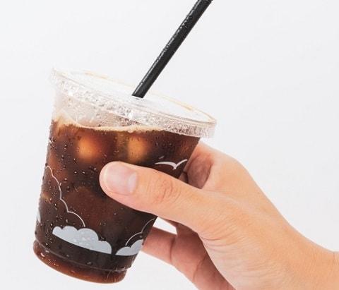テイクアウトのアイスコーヒー