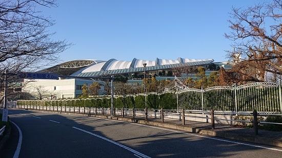 阪神競馬場の外観